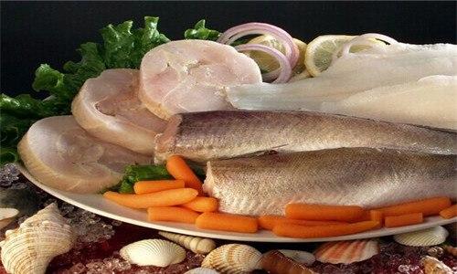 为什么鱼肉很硬像橡胶